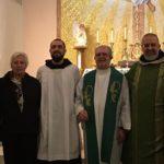 dopo la Messa domenicale al Sacred Heart di Stamford con p. Alfonso